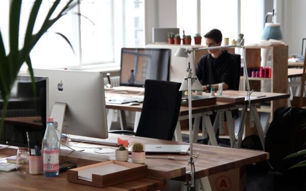 分享文章<a target='_blank' style='color:#2a2a2a !important' href='https://www.daydayzhuan.com/article/desc/10/3735'>赚钱</a>平台那个好?最新转发快发财单价全天2元  第1张